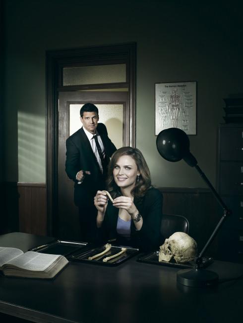 bones_11-two-shot-office_rjwF2