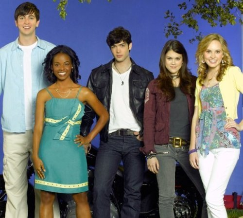 10-Things-I-Hate-About-you-promo-pictures-10-things-i-hate-about-you-tv-show-7127189-604-542